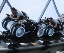 上海迪士尼试运行持续火爆 接待游客已超百万