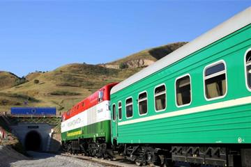 """""""中国速度""""献礼塔吉克斯坦独立25周年"""