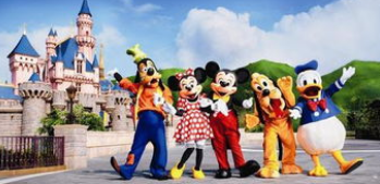 为米老鼠庆生 东京迪士尼乐园排队最长等待11小时