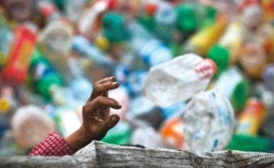 """全球年用5000亿个塑料袋!联合国""""宣战""""白色污染"""