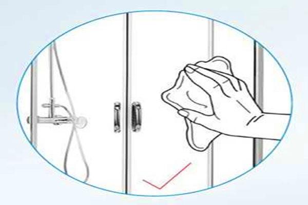 淋浴房平时如何清洁维护?