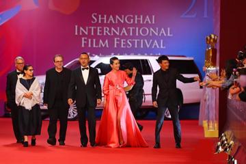 第21届上海国际电影节红毯群星闪耀