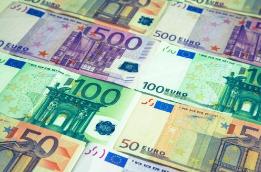 欧盟委员会主席容克呼吁提升欧元国际地位