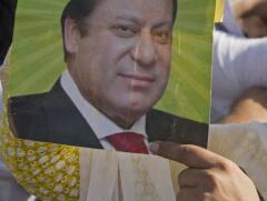 巴基斯坦决定暂停监禁前总理谢里夫