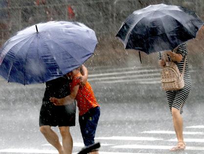 冷空氣大舉南下降溫仍在持續 西南地區雨勢增強