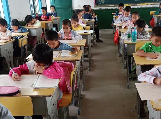 五部门:按要求配齐中小学思政课教师 建立退出制度