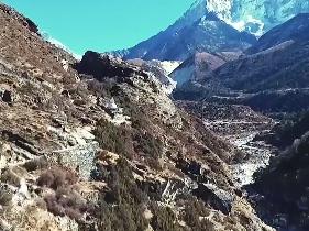 尼泊尔中部发生车祸至少17人死亡