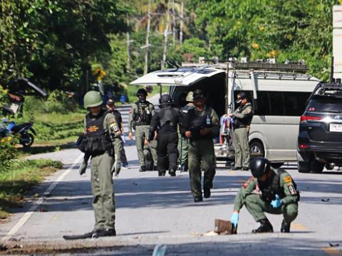 泰国南部检查站遭袭致15人死亡