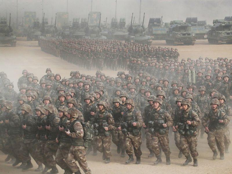 新中国峥嵘岁月 走中国特色强军之路