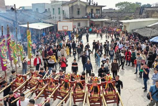 闹热!潮州湘桥区铁铺镇溪美寨村举行民俗活动