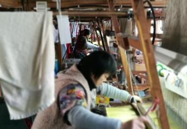 苏州城最后的手工织造厂:机杼声声犹如穿越