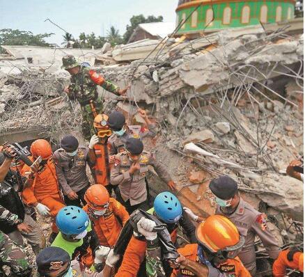印尼龙目岛地震致一大马华裔罹难 有中国游客被困景区