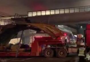 杭州被货车撞塌天桥已搬离 现场通?#35874;?#22797;