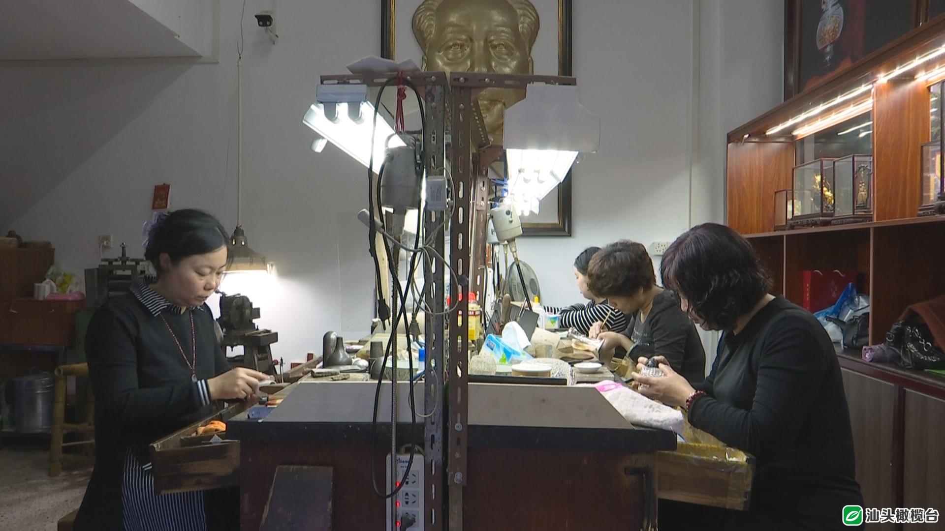 纤纤银丝千錾百刻!潮州这户人家多年来坚持手工打造金银器,手艺令人赞不绝口!