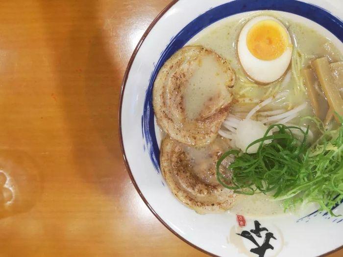这个90后在汕头开了一家日式拉面馆!汤底至少要熬十个小时