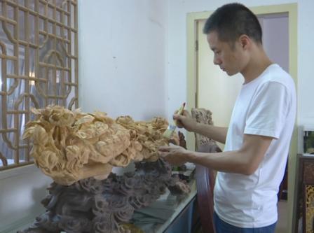 如何保持潮州木雕的活力?潮州这位木雕大师迈出关键的一步