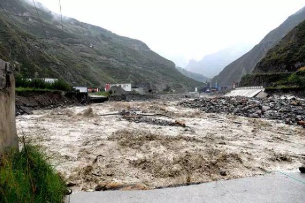 四川暴雨灾区开展地质灾害隐患排查