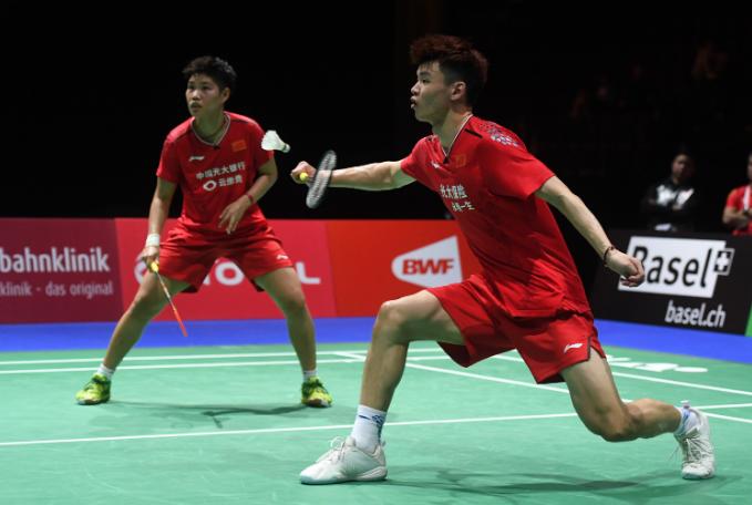 羽毛球:谌龙出局中国队男单24年来首次无缘四强 陈雨菲逆转晋级