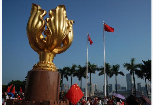 香港逾600名医护人员实名联署 支持警方执法