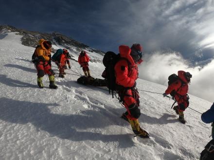 新中国峥嵘岁月|勇攀世界高峰