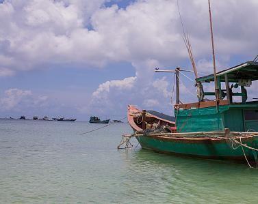 受大風影響 廣東海域所有漁船12日中午前須回港避風