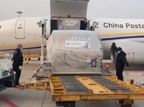 救命机器来了!4台ECMO设备运抵武汉