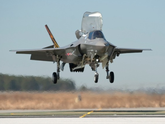 美國決定對日出售105架F-35隱形戰機 耗資逾2萬億日元