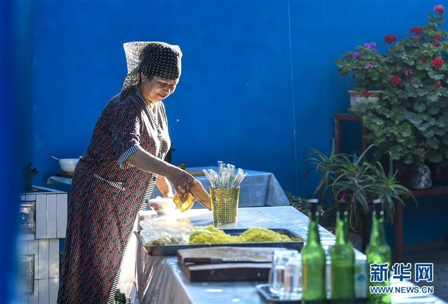 漫步六星街,一起来看看新疆伊宁市这个著名的历史文化街区......