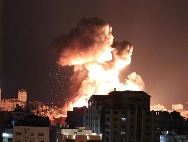 巴以冲突升级 致上百人死亡 国际社会关切