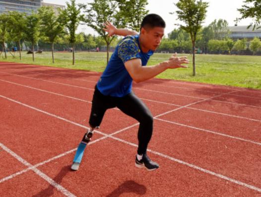 """中国版""""刀锋战士"""":你站在起跑线那一刻就赢了!"""