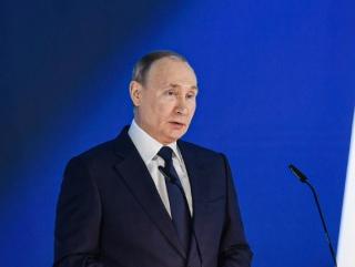 普京呼吁坚决抵制歪曲历史