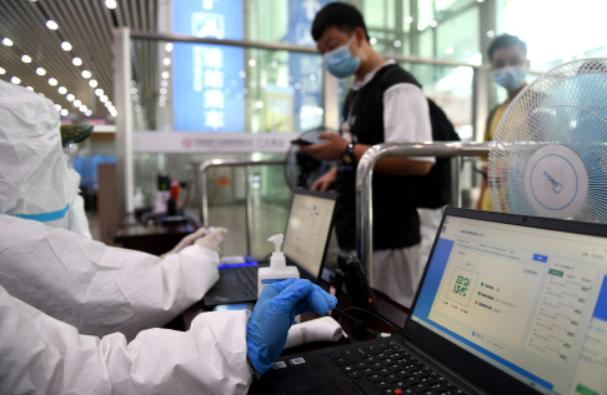 广州多家医院支援东莞核酸采样:穗莞两座城,抗疫一条心
